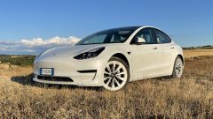 Prova su strada di Tesla Model 3 Long Range AWD: autonomia e consumi