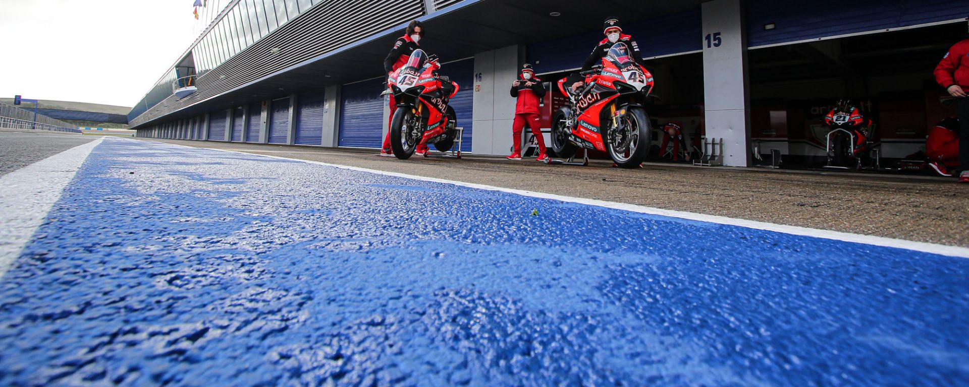 Superbike, il team Ducati Aruba.it ai test di Jerez 2021