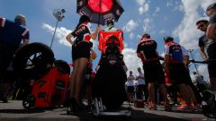 Superbike Misano 2016: Tom Sykes in pole, Jonathan Rea vince gara uno - Immagine: 15