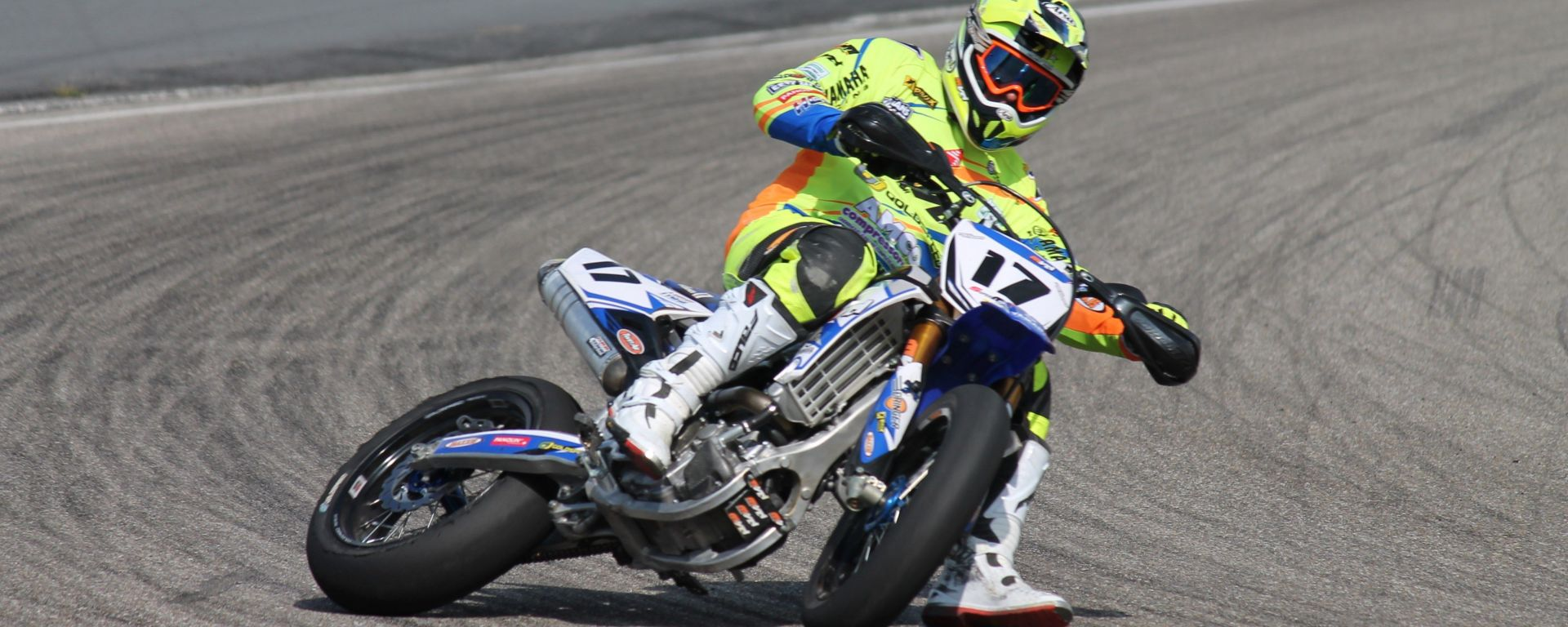 Supermotard: significato e differenze con enduro