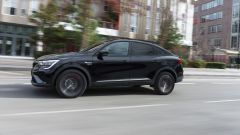 Renault Arkana, via alle vendite entro marzo. Prima il mild hybrid - Immagine: 2