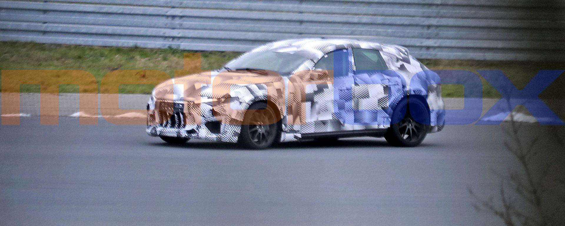 SUV Ferrari Purosangue: dopo il V12 arriverà un V8 ibrido