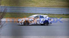 SUV Ferrari Purosangue: vista laterale del muletto