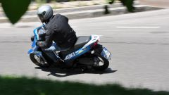 Suzuki Address MotoGP in curva