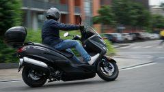 Suzuki Burgman 200: consuma poco e dà molto - Immagine: 9