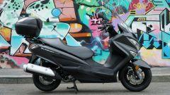 Suzuki Burgman 200: consuma poco e dà molto - Immagine: 14