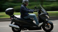 Suzuki Burgman 200: consuma poco e dà molto - Immagine: 25