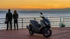 Suzuki Burgman 400: nuovo look per lo scooterone di Hammamatsu - Immagine: 11