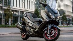 Suzuki Burgman 400: nuovo design per il parabrezza
