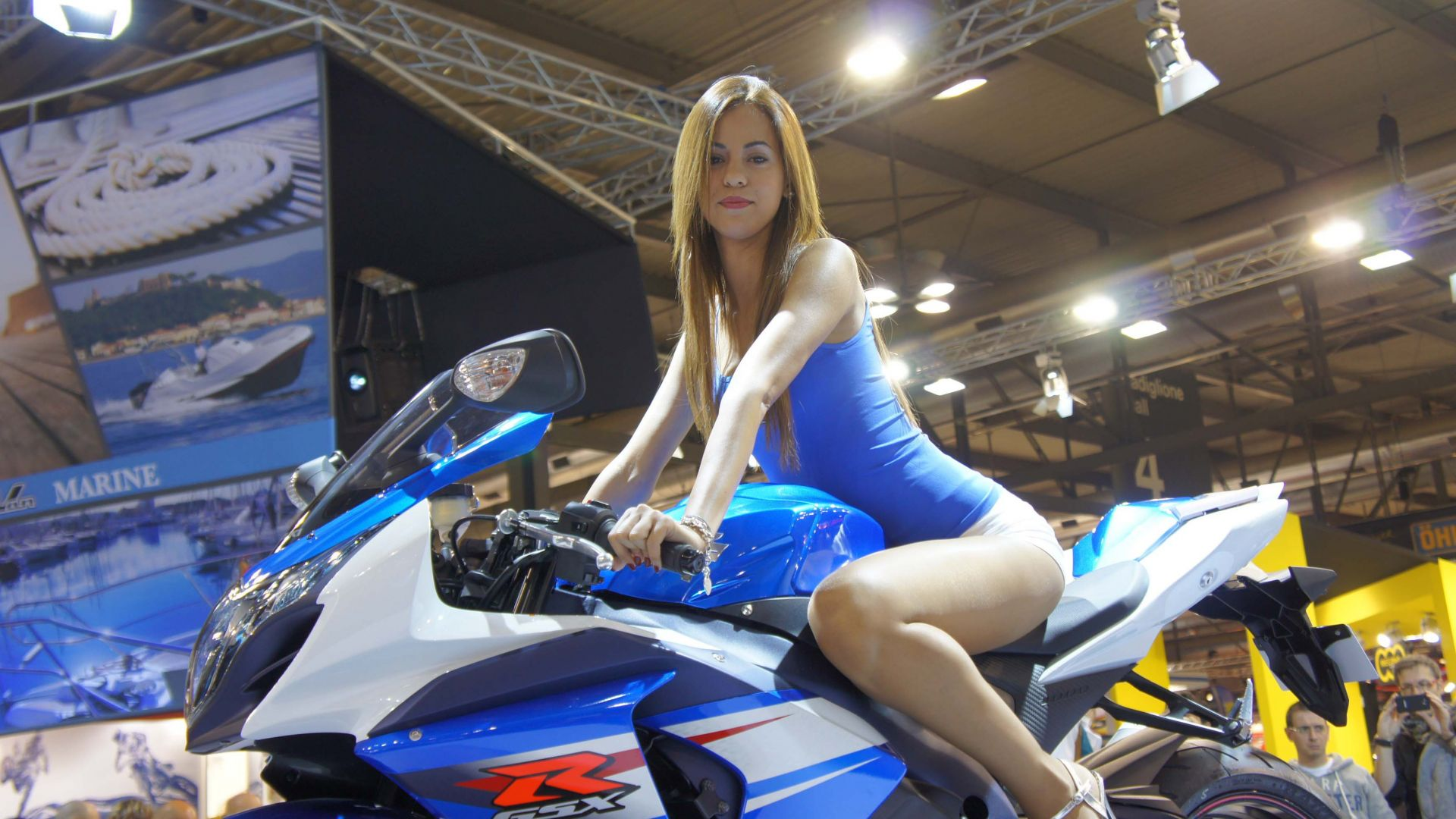I nostri video: Eicma 2011: lo stand Suzuki - MotorBox