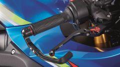 Suzuki GSX-R1000: protezioni al manubrio