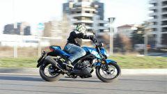 Suzuki GSX-S 125, su strada si apprezza l'agilità e la fluidità del motore