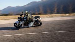 Suzuki GSX-S 750 Yugen Carbon: la naked cambia look. Il test - Immagine: 11