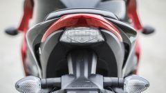 Suzuki GSX-S1000F: dettaglio del codino, privo di maniglie per il passeggero