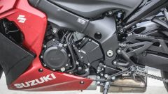Suzuki GSX-S1000F: dettaglio del motore, lato sinistro
