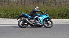 Suzuki GSX250R ha una stabilità superiore alla media