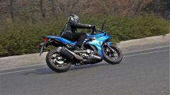 Suzuki GSX250R invita alla piega