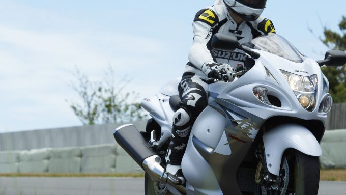 Immagine 30: Suzuki Hayabusa 2013