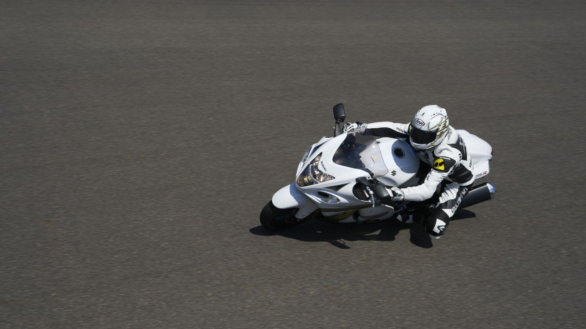 Immagine 32: Suzuki Hayabusa 2013