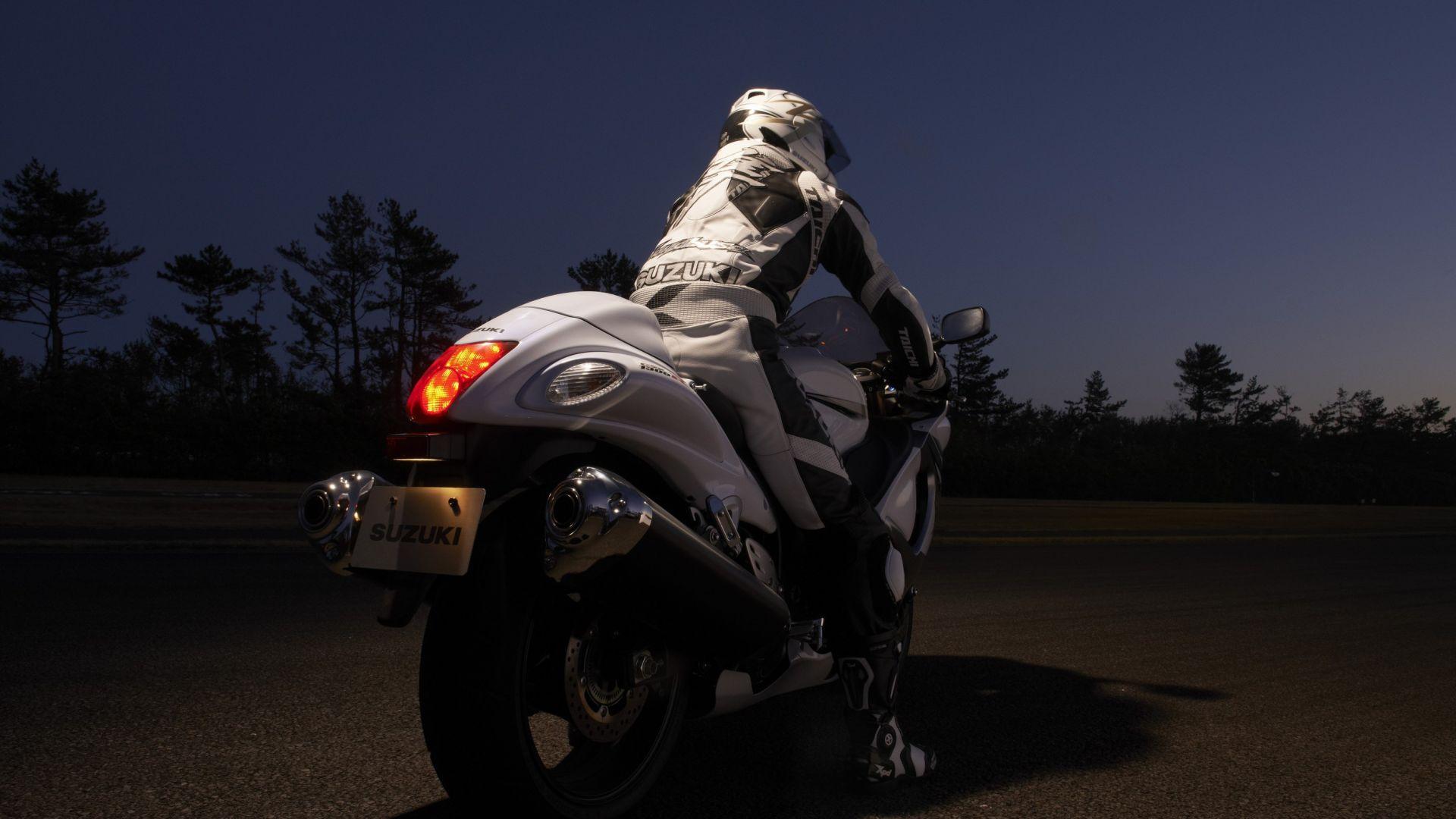 Immagine 40: Suzuki Hayabusa 2013