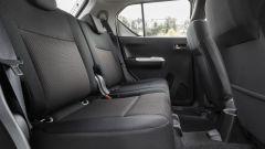 Suzuki Ignis: i sedili posteriori sono singoli e scorrono di 16 cm