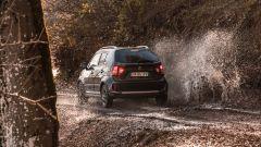 Suzuki Ignis: la piccola non teme di sporcarsi le ruote