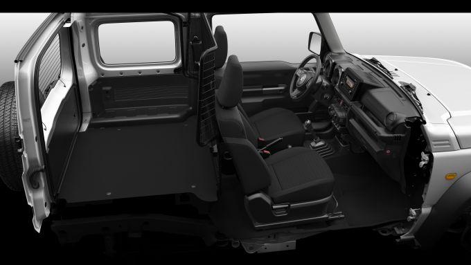 Suzuki Jimny autocarro vista degli interni