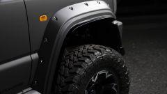 Suzuki Jimny Black Bison: dettaglio dei passaruota allargati