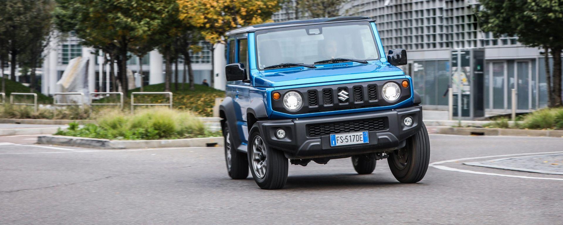 Suzuki Jimny: la piccola 4x4 non è ibrida