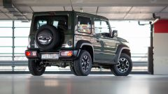 Suzuki Jimny: vista 3/4 posteriore