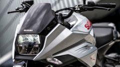 Suzuki Katana 2019: il faro anteriore è rigorosamente quadrato