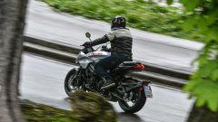 Suzuki Katana 2019: il portatarga è fissato al forcellone in alluminio