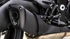 Suzuki Katana 2019: il terminale di scarico di serie, optional l'Akrapovic in titanio