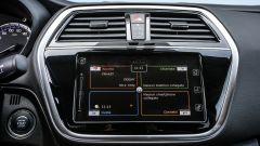 Suzuki S-Cross 2017: lo schermo touch da 7'' entra nell'allestimento Cool. Nella S-Cross Top ha anche il navigatore