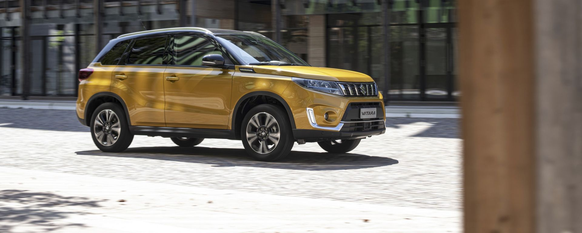 Suzuki Smart Buy: Vitara Hybrid statica 3/4 anteriore