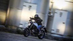 In sella alla nuova Suzuki SV650 2017 ABS - Immagine: 5