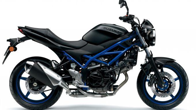 Suzuki SV650 2021, la livrea nero matt