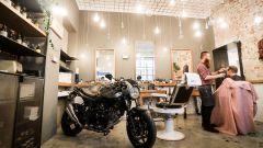 Hipster o X-TER? | Con la Suzuki SV650X-TER alla scoperta dei barber shop - Immagine: 2
