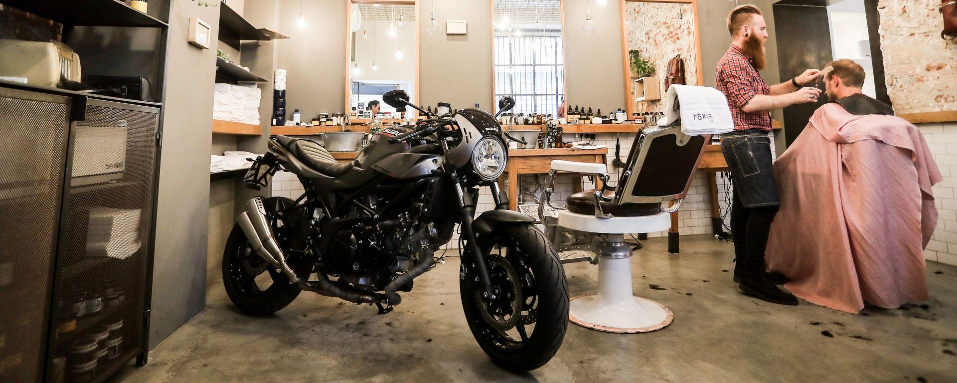Hipster o X-TER? | Con la Suzuki SV650X-TER alla scoperta dei barber shop