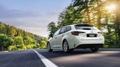 Suzuki Swace Hybrid Web Edition, visuale posteriore