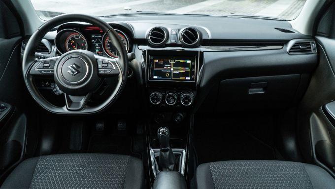 Suzuki Swift 1.2 Hybrid Top, gli interni