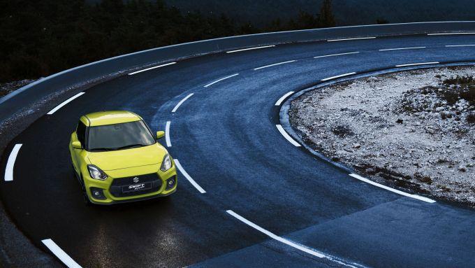 Suzuki Swift Hybrid: agile in città e divertente su strade ricche di curve