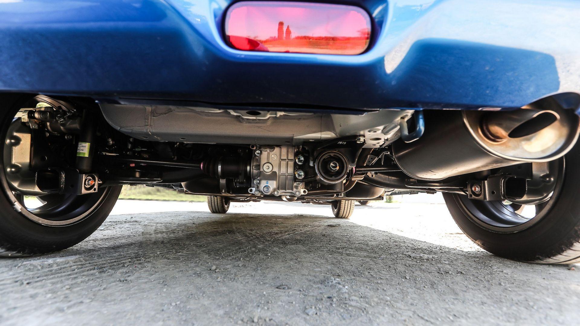 Suzuki swift nuova ibrida 4x4 allgrip prova opinioni e for Prezzo del pacchetto di 2 box auto