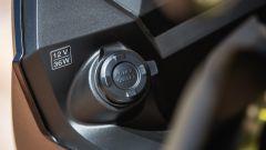 Suzuki V-Strom 650 XT 2017, presa 12V