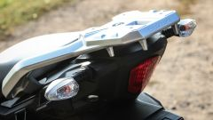 Suzuki V-Strom: portapacchi e maniglie per il passeggero