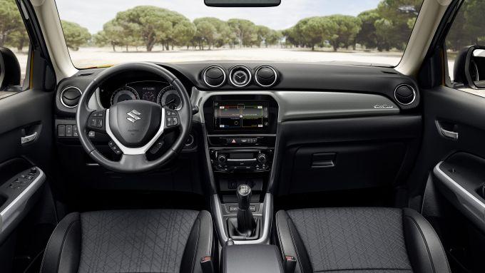 Suzuki Vitara 2019: gli interni