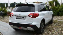 Suzuki Vitara Exclusive: la colorazione Havana abbina carrozzeria bianca a tetto grigio
