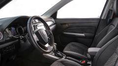 Suzuki Vitara Hybrid, gli interni