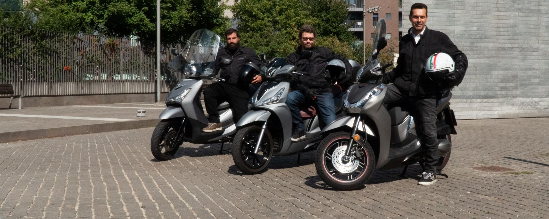 Sym HD 300, Kymco People S 300, Honda SH 300i: scooter a confronto