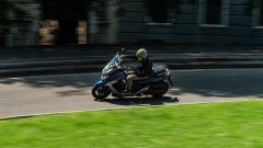 Sym Maxsym 400 2021: comodo e piacevole da guidare